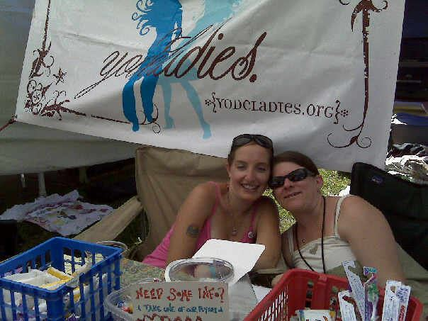2 of my favorite Yodeladies (wo)manning the booth!